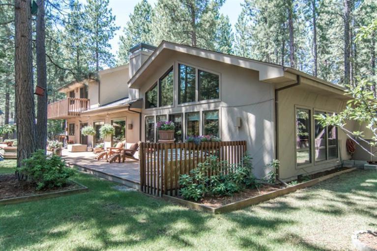 70326 Mahonia, Black Butte Ranch, OR 97759 (MLS #201410380) :: Birtola Garmyn High Desert Realty