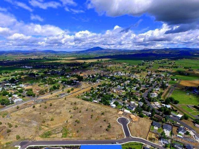 0 NE Black Bear Court Lot 8, Prineville, OR 97754 (MLS #201506442) :: Birtola Garmyn High Desert Realty