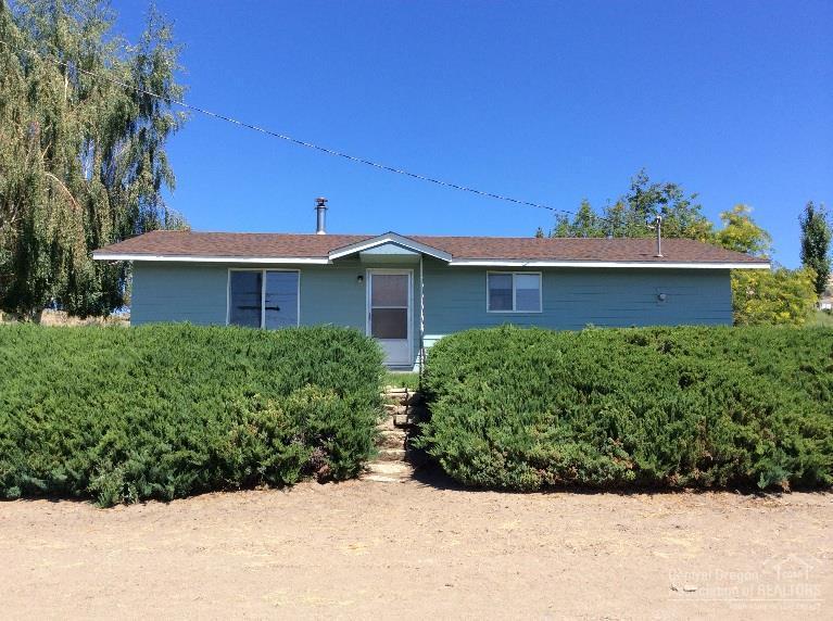 201 NE 10th Street, Prineville, OR 97754 (MLS #201507615) :: Birtola Garmyn High Desert Realty