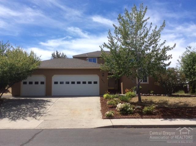 2917 SW 37th Court, Redmond, OR 97756 (MLS #201606835) :: Birtola Garmyn High Desert Realty