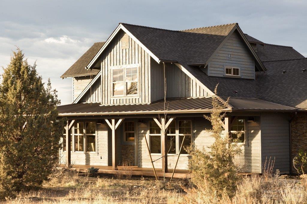 17705 SW Saddle Court, Powell Butte, OR 97753 (MLS #201607444) :: Birtola Garmyn High Desert Realty