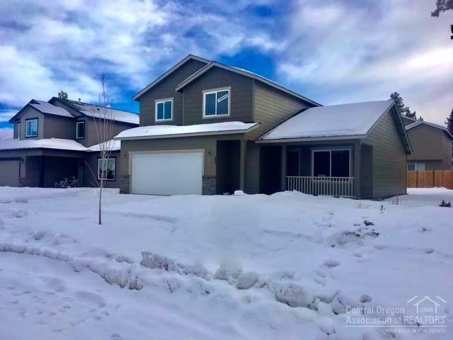 493 SE Gleneden Place, Bend, OR 97702 (MLS #201610048) :: Birtola Garmyn High Desert Realty