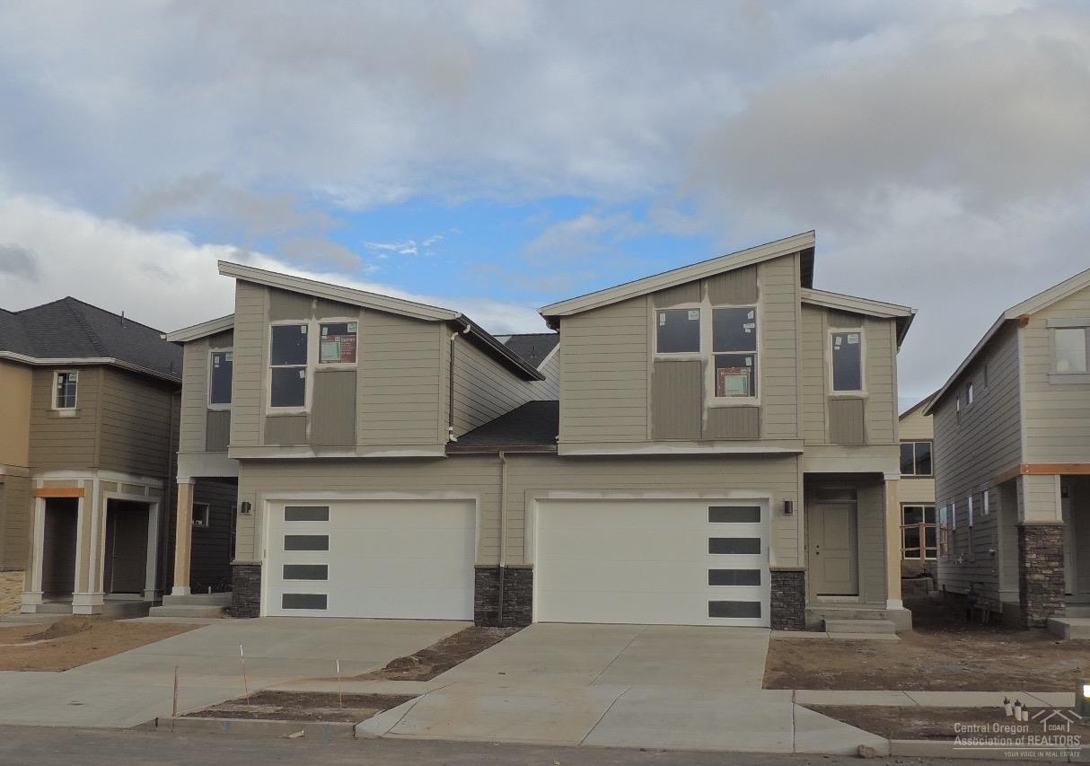 63166 NE Meridian Place, Bend, OR 97701 (MLS #201610117) :: Birtola Garmyn High Desert Realty