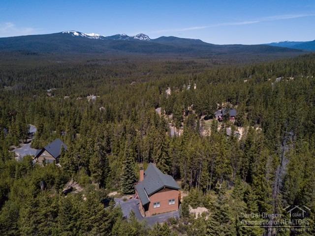 141128 Elk Haven Way, Crescent Lake, OR 97733 (MLS #201704929) :: Birtola Garmyn High Desert Realty