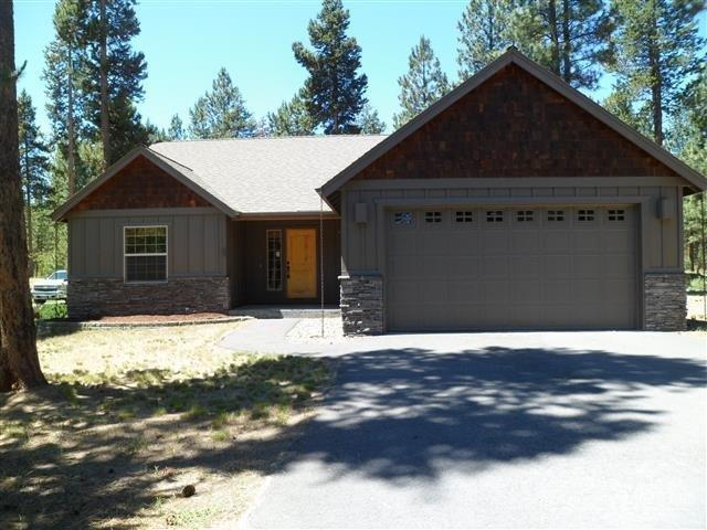 15322 Bear Street, La Pine, OR 97739 (MLS #201706098) :: The Ladd Group