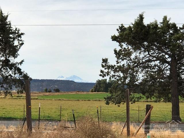 151 NE Mckee Drive, Prineville, OR 97754 (MLS #201709270) :: Birtola Garmyn High Desert Realty