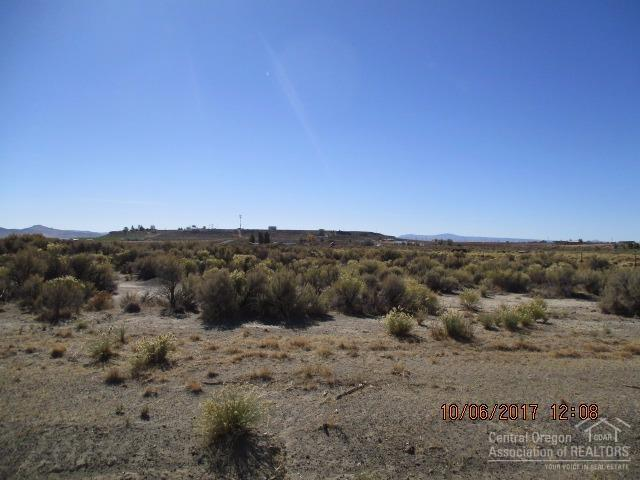 300 Christmas Valley Highway Tl, Christmas Valley, OR 97641 (MLS #201710023) :: Birtola Garmyn High Desert Realty