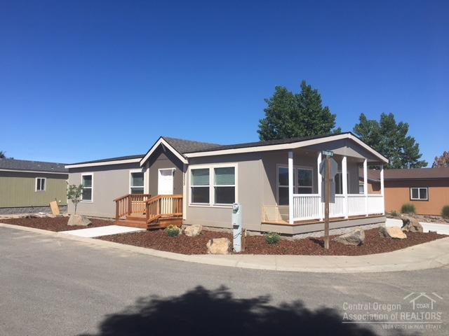 2505 SW Yarrow Creek Drive, Redmond, OR 97756 (MLS #201800045) :: The Ladd Group