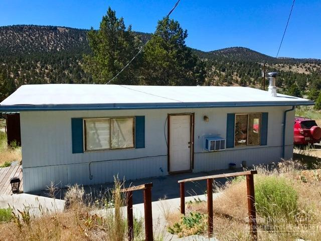 16820 SE Antelope Creek Drive, Prineville, OR 97754 (MLS #201800735) :: The Ladd Group