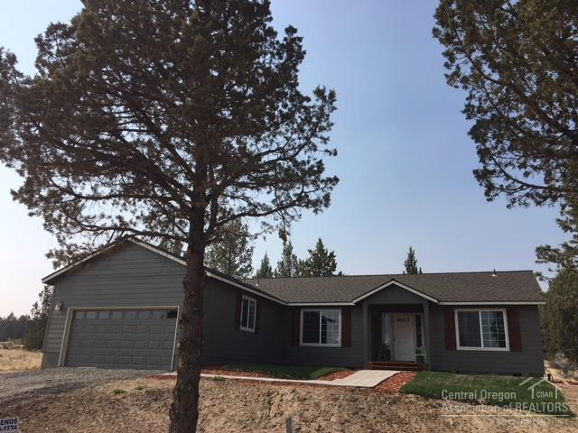 6305 NW Elliott, Prineville, OR 97754 (MLS #201806837) :: Fred Real Estate Group of Central Oregon