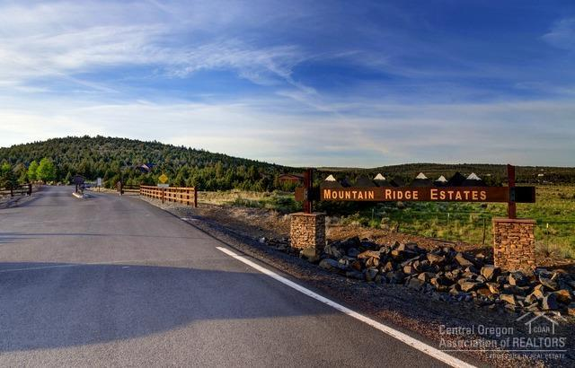 7207 SE Madison Avenue, Prineville, OR 97754 (MLS #201806986) :: The Ladd Group