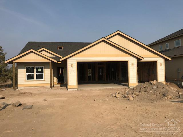 63824 Wellington Street, Bend, OR 97701 (MLS #201807740) :: The Ladd Group