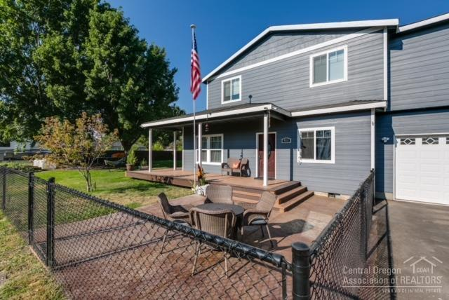 485 SE Elm Street, Prineville, OR 97754 (MLS #201808452) :: Pam Mayo-Phillips & Brook Havens with Cascade Sotheby's International Realty