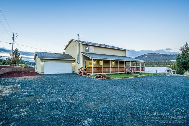 10563 SE Prairie Schooner Road, Prineville, OR 97754 (MLS #201811065) :: Team Birtola | High Desert Realty