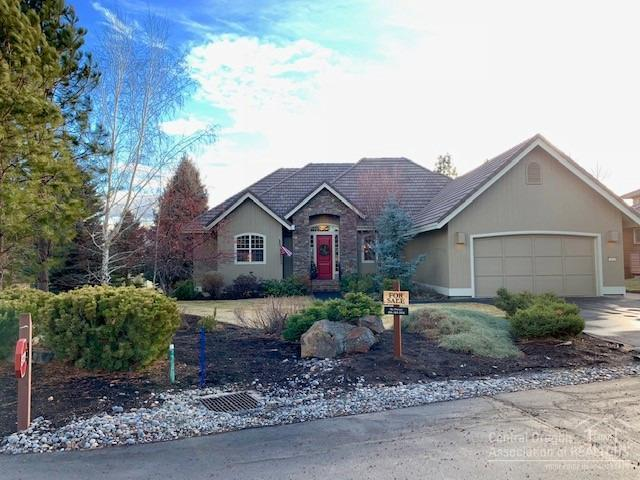 19243 Dutchman Court, Bend, OR 97702 (MLS #201811712) :: The Ladd Group