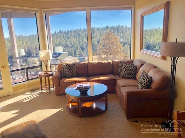 19717 SW Mt Bachelor Drive 325E, Bend, OR 97702 (MLS #201900508) :: The Ladd Group
