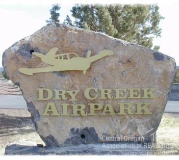 2948 SE Pilot Drive, Prineville, OR 97754 (MLS #201902775) :: Team Birtola | High Desert Realty