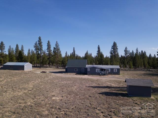 12360 Larchwood Drive, La Pine, OR 97739 (MLS #201903476) :: Fred Real Estate Group of Central Oregon