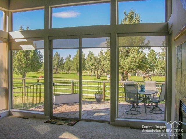 667 Sagebush, Redmond, OR 97756 (MLS #201907317) :: Berkshire Hathaway HomeServices Northwest Real Estate