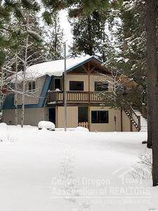 19268 Clear Springs Way, Crescent Lake Jct., OR 97733 (MLS #201908329) :: Windermere Central Oregon Real Estate