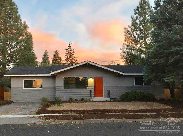 1211 NE Thompson Drive, Bend, OR 97701 (MLS #201908657) :: Stellar Realty Northwest