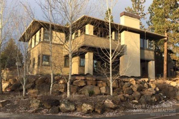 19166 NW Mt Shasta Court, Bend, OR 97703 (MLS #201908888) :: Berkshire Hathaway HomeServices Northwest Real Estate
