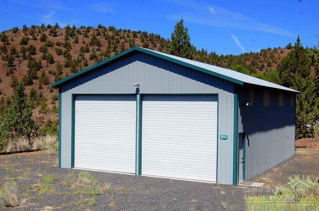 18344 SE Boulder, Prineville, OR 97754 (MLS #201909628) :: Fred Real Estate Group of Central Oregon