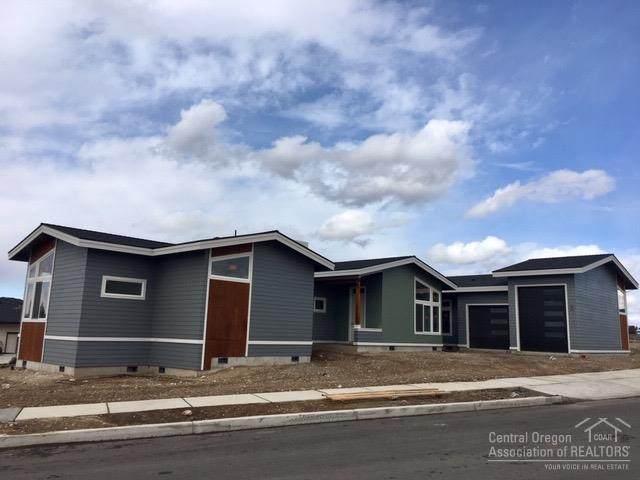 3759 SW Sw 45th Street, Redmond, OR 97756 (MLS #202001668) :: Bend Homes Now