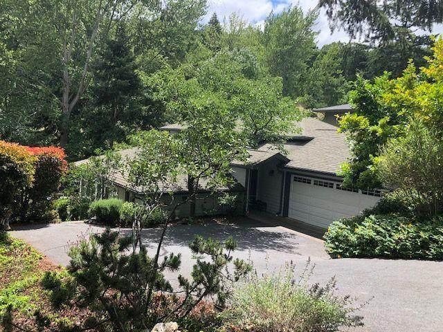 828 Roca Street, Ashland, OR 97520 (MLS #220103807) :: Fred Real Estate Group of Central Oregon