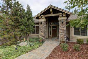 8091 Granite Falls Drive, Redmond, OR 97756 (MLS #220111156) :: Vianet Realty