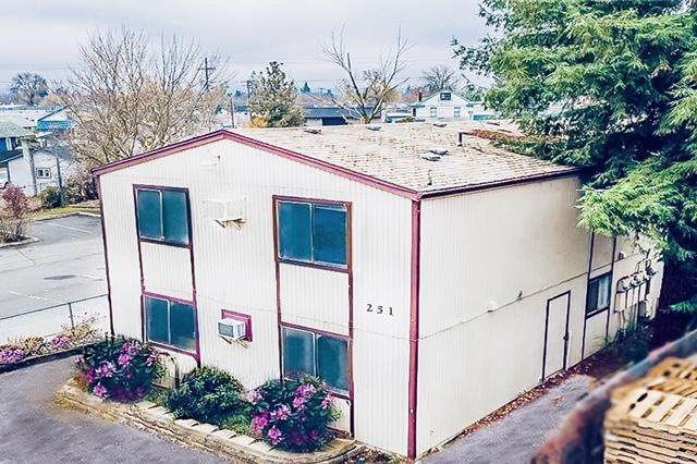 251 Beatty Street, Medford, OR 97501 (MLS #220112889) :: Premiere Property Group, LLC