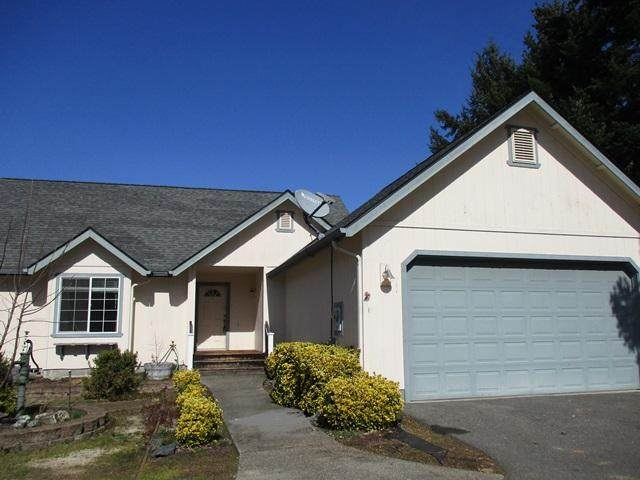 132 SW Verstappen Lane, Grants Pass, OR 97526 (MLS #220117615) :: FORD REAL ESTATE