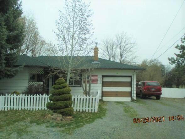 2449 Wiard Street, Klamath Falls, OR 97603 (MLS #220119048) :: Vianet Realty