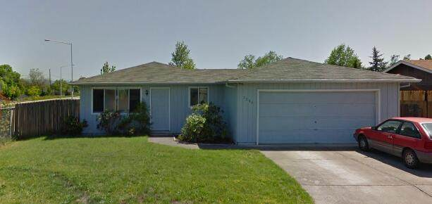7586 Hale Way, White City, OR 97503 (MLS #220124919) :: The Riley Group