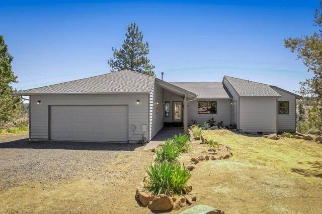 17475 Mountain View Road, Sisters, OR 97759 (MLS #220127974) :: The Ladd Group