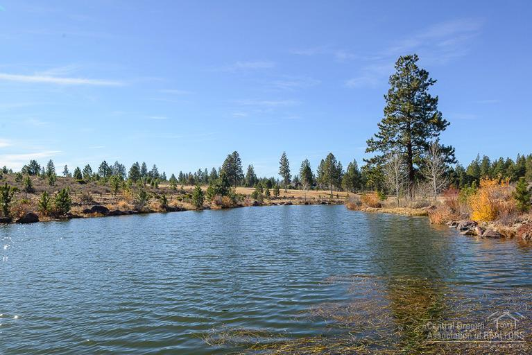 61825 Dunbar Court, Bend, OR 97702 (MLS #201602862) :: Birtola Garmyn High Desert Realty