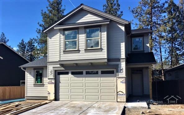 60468 Hedgewood Lane, Bend, OR 97702 (MLS #201711505) :: Pam Mayo-Phillips & Brook Havens with Cascade Sotheby's International Realty