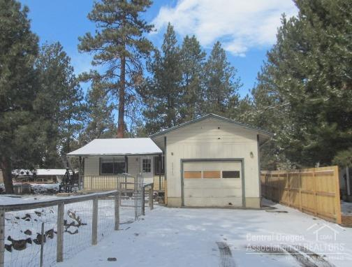 60869 Jasmine Place, Bend, OR 97702 (MLS #201801169) :: Fred Real Estate Group of Central Oregon