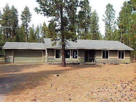 15870 Lava Drive, La Pine, OR 97739 (MLS #201803224) :: Fred Real Estate Group of Central Oregon