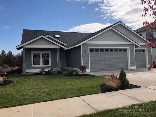 63824 Wellington Street, Bend, OR 97701 (MLS #201807740) :: Team Birtola | High Desert Realty