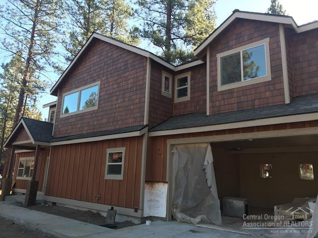 808 S Wrangler Court, Sisters, OR 97759 (MLS #201810291) :: Fred Real Estate Group of Central Oregon