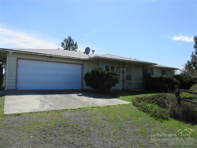 131 SW Cascade Lane, Madras, OR 97741 (MLS #201902660) :: Windermere Central Oregon Real Estate