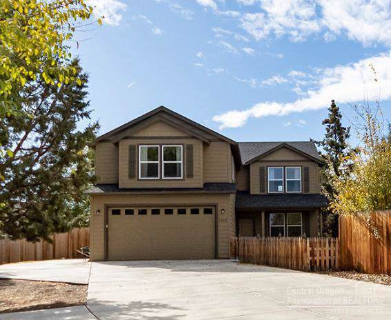 21223 NE Keyte, Bend, OR 97701 (MLS #201909864) :: The Ladd Group