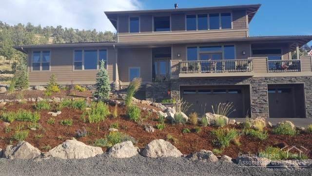 864 Highland View Loop, Redmond, OR 97756 (MLS #202000275) :: Berkshire Hathaway HomeServices Northwest Real Estate