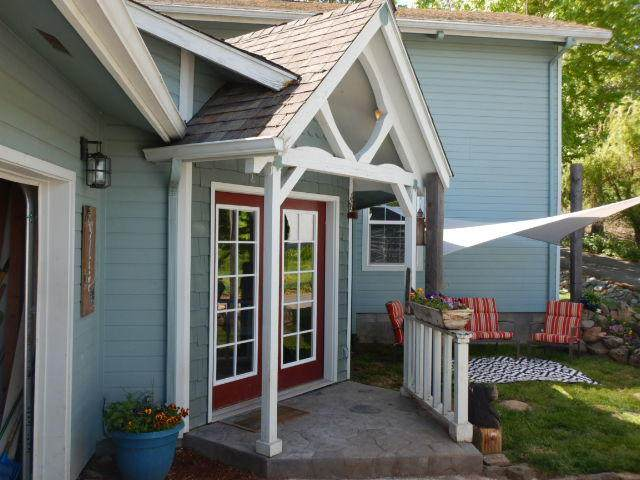 5136 Jerome Prairie Road, Grants Pass, OR 97527 (MLS #220122146) :: The Ladd Group