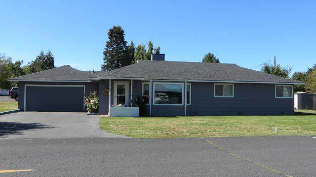 5150 S Etna Street, Klamath Falls, OR 97603 (MLS #220131625) :: Arends Realty Group