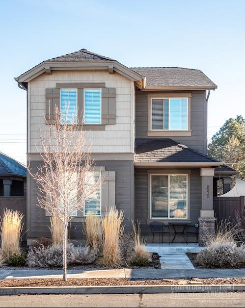 3460 SW 28th Street, Redmond, OR 97756 (MLS #201900356) :: Central Oregon Home Pros