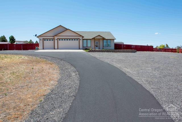 2530 SE Bitterbrush Drive, Madras, OR 97741 (MLS #201902639) :: Bend Homes Now