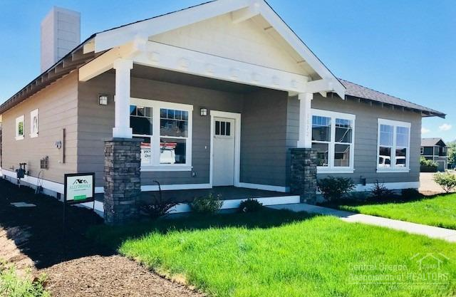 1572 NW Kingwood Avenue, Redmond, OR 97756 (MLS #201802814) :: Windermere Central Oregon Real Estate