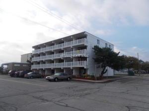 7 124th St #204, Ocean City, MD 21842 (MLS #513667) :: Brandon Brittingham's Team
